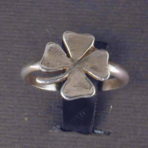 Sterling silver four leaf clover ring